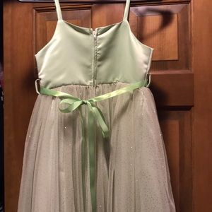 Dresses - NWOT sage green tulle flower girl dress size 9/10